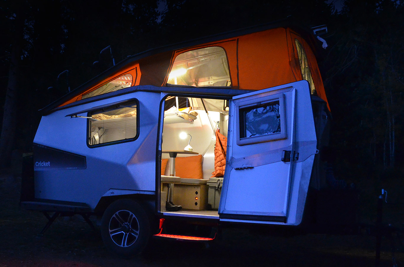 Campers Under 1500 Lbs >> 8 Perfect Small Campers with Bathrooms (When Nature Calls!)