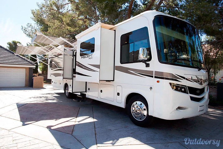 Class A Luxury RV Rental Las Vegas