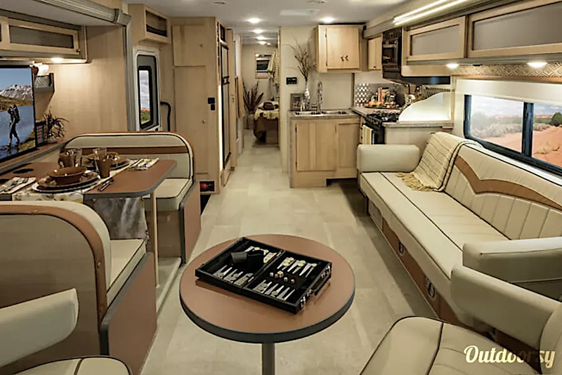 2016 Winnebago Brave interior