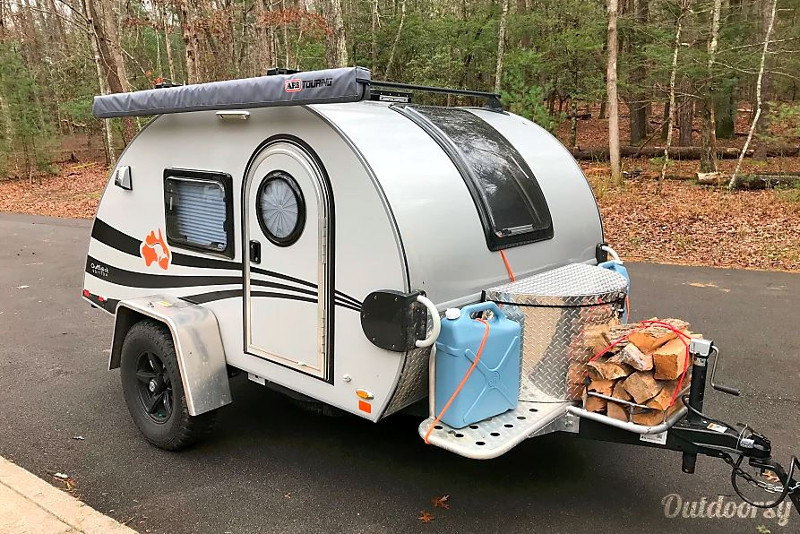 Teardrop Camper For Rent in Texas