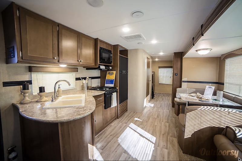 2015 Dutchmen Aspen Trail interior