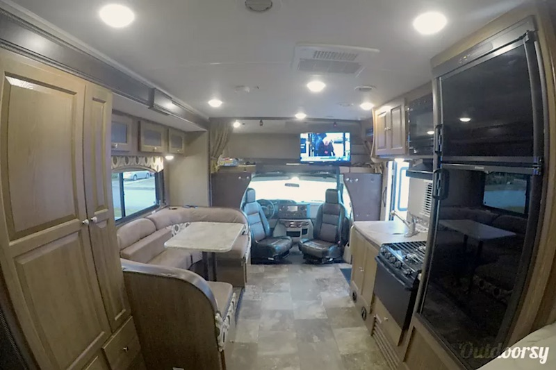2016 Coachmen Leprechaun interior