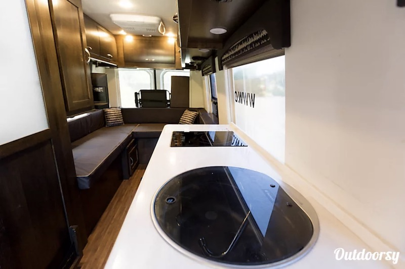 2017 Coachmen Galleria interior
