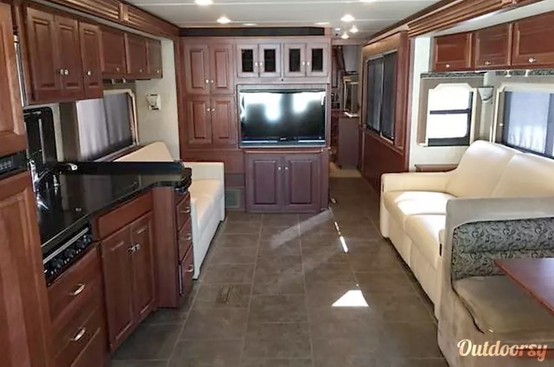 2017 Winnebago Journey interior